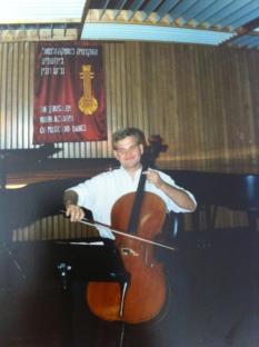 cellist 1990